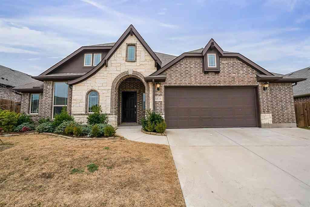 8816 Cassidy Lane, Aubrey, TX, 76227,
