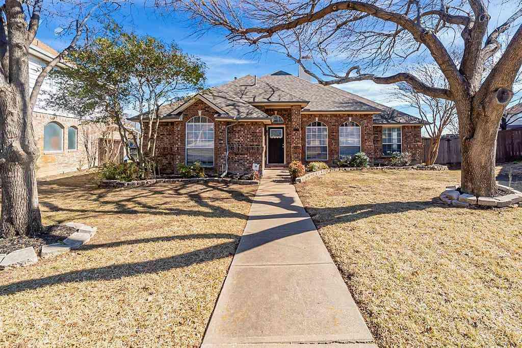 2120 Larkspur Drive, Carrollton, TX, 75010,