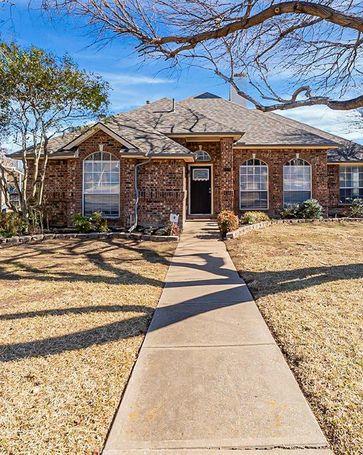 2120 Larkspur Drive Carrollton, TX, 75010