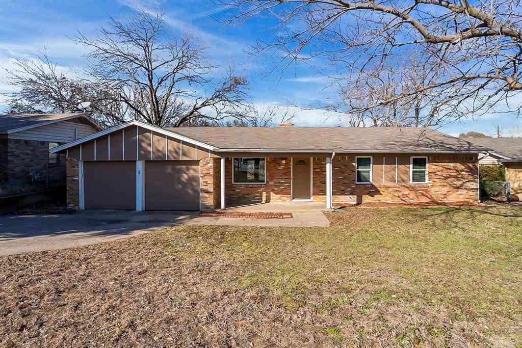 320 Arthur Drive, Kennedale, TX, 76060,