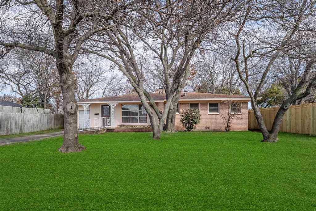 6708 Hemsell Place, Fort Worth, TX, 76116,