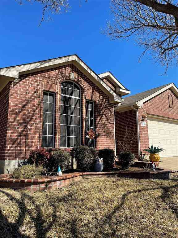 413 E Whitener Road, Euless, TX, 76040,