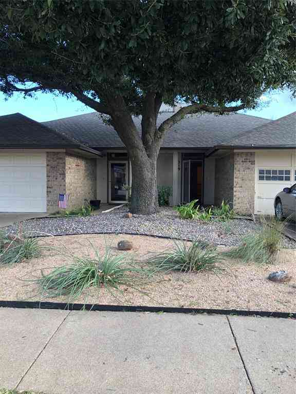 219 Mountainview Drive, Hurst, TX, 76054,