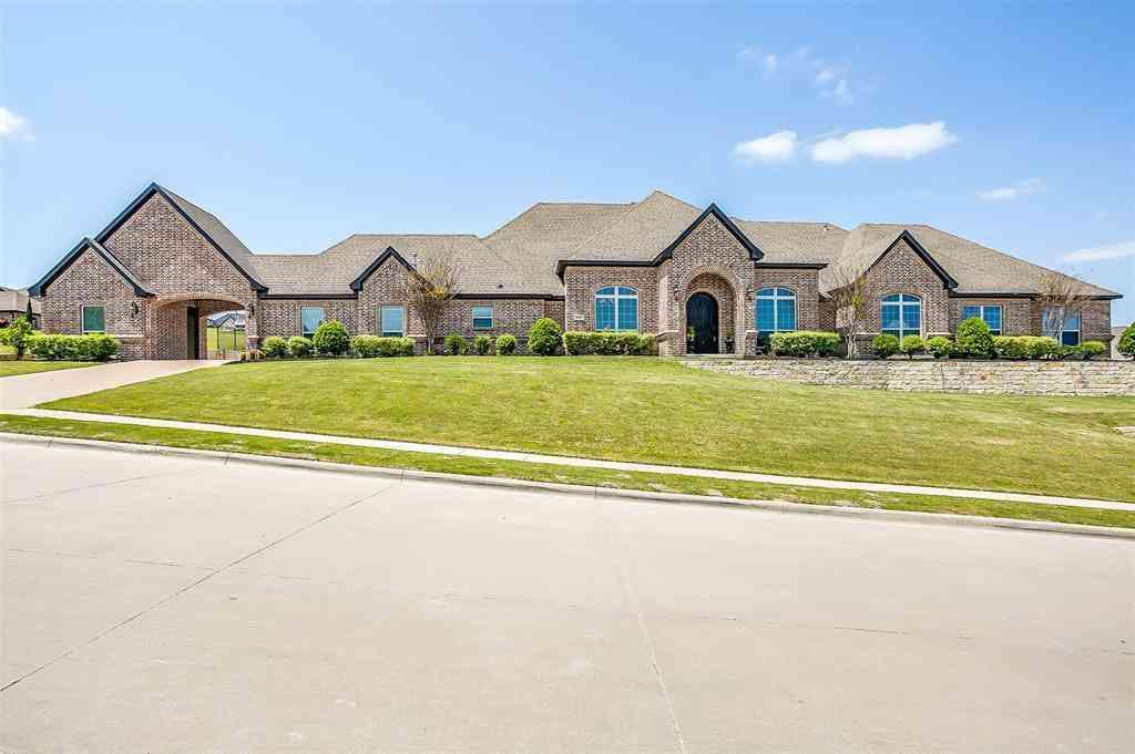10704 Alta Sierra Drive, Benbrook, TX, 76126,