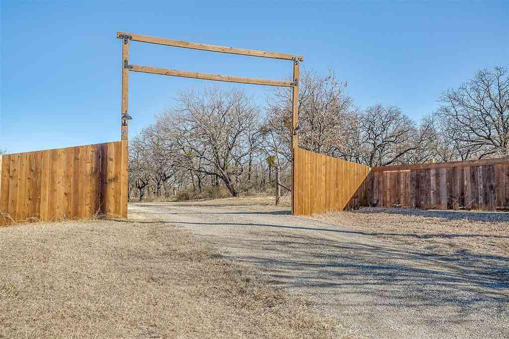 838 County Road 3840, Bridgeport, TX, 76426,