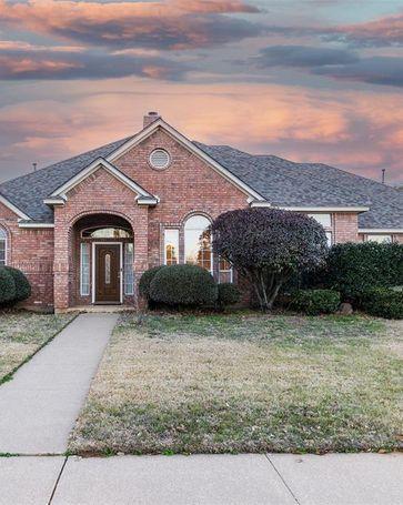 8349 Thornhill Drive North Richland Hills, TX, 76182
