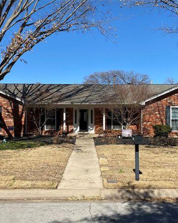216 Circleview Drive S Hurst, TX, 76054