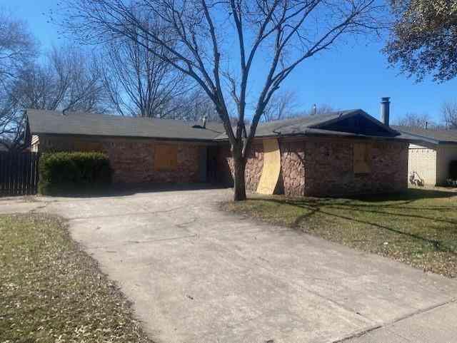 536 Thompson Drive, Saginaw, TX, 76179,