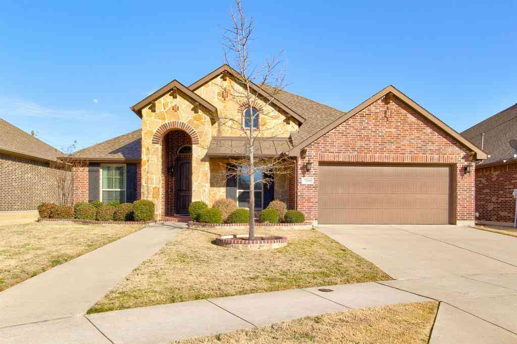 7204 Sandoval Drive, Fort Worth, TX, 76131,