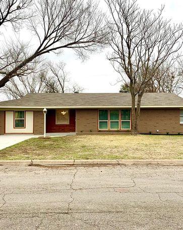 4304 Ken Michael Court North Richland Hills, TX, 76180