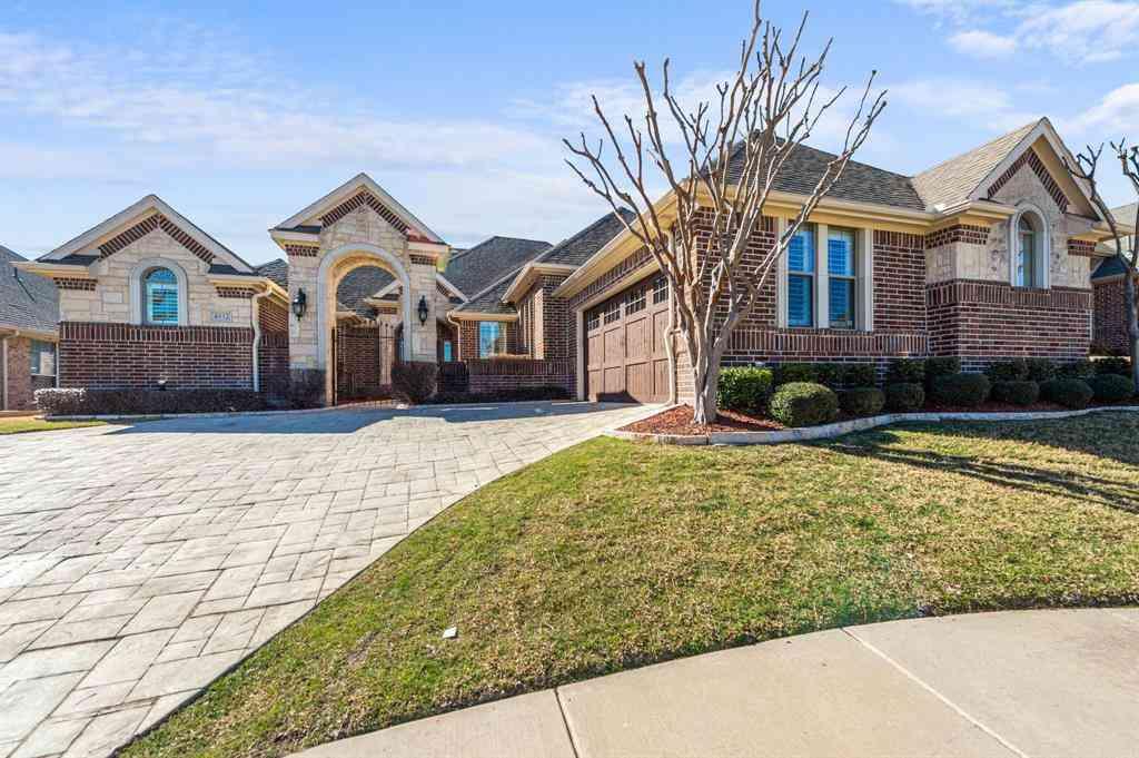 4932 Ridge Circle, Benbrook, TX, 76126,