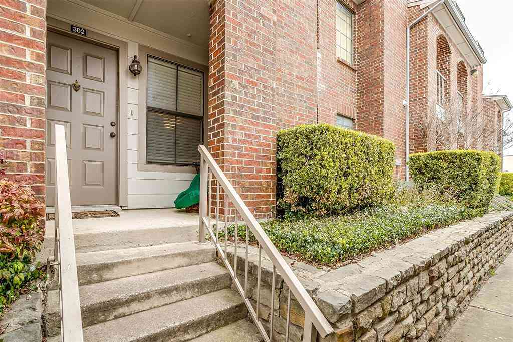 3201 Donnelly Circle #302, Fort Worth, TX, 76107,