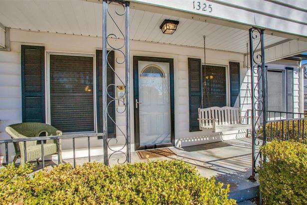 1325 Linden Lane