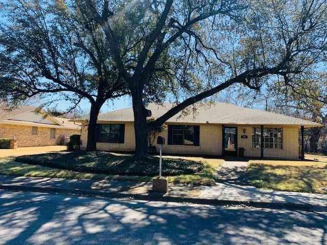 128 Williams Avenue, Desoto, TX, 75115,