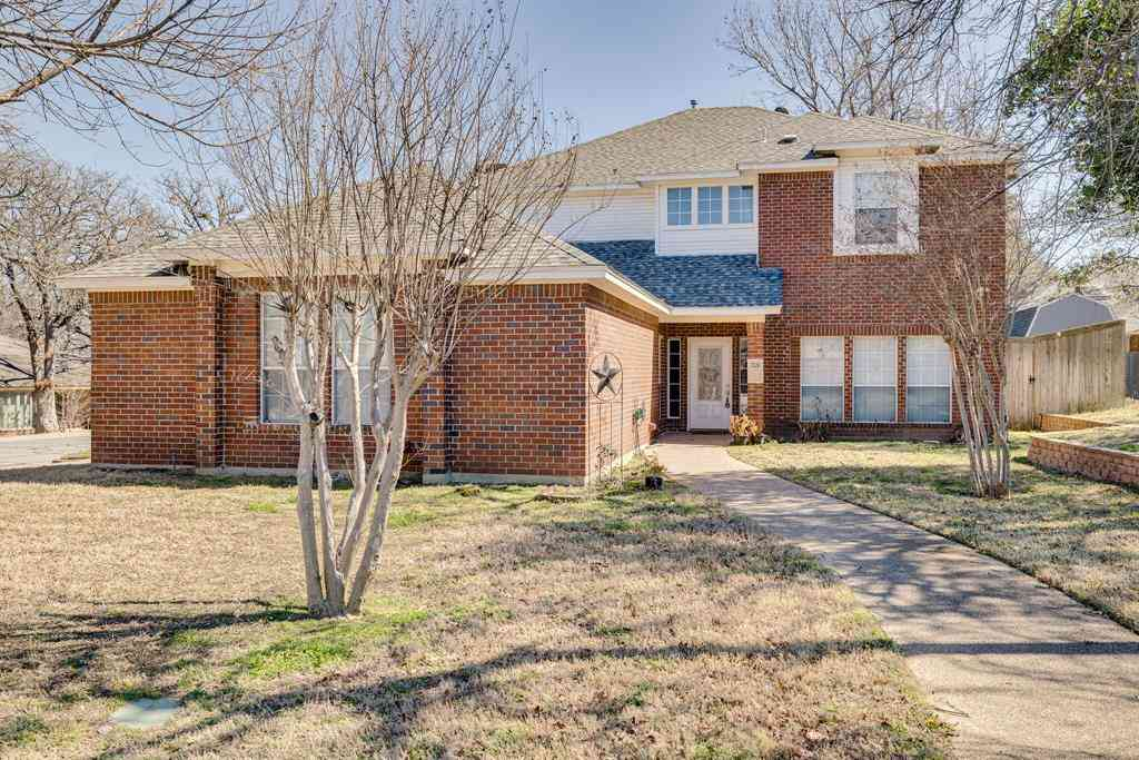 709 Castle Oak Court, Arlington, TX, 76012,