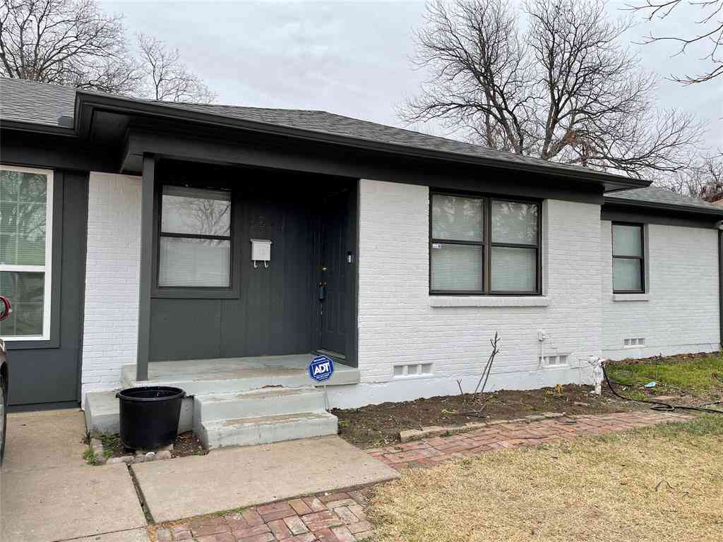 925 Brown Drive, Fort Worth, TX, 76115,