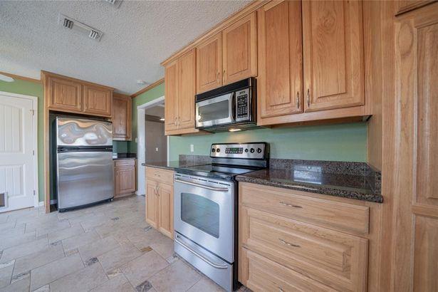 5524 Woodland Hills Drive