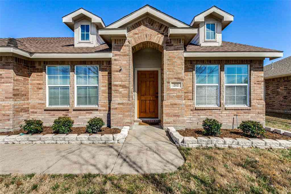 212 Freedom Trail, Forney, TX, 75126,