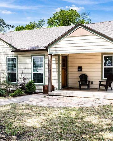 2423 Wentworth Street Dallas, TX, 75211