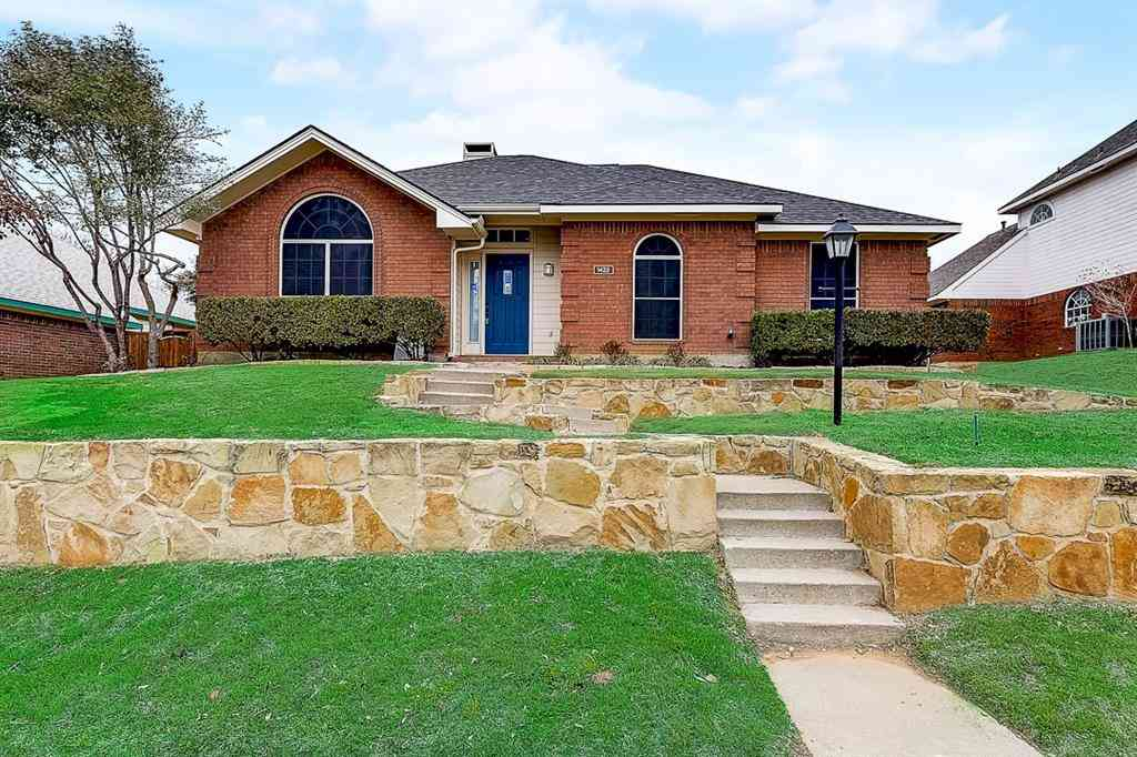 1422 Mapleview Drive, Carrollton, TX, 75007,