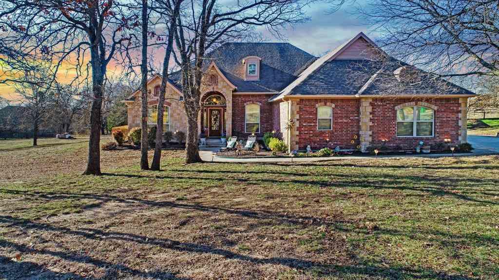 153 Overton Ridge Circle, Weatherford, TX, 76088,