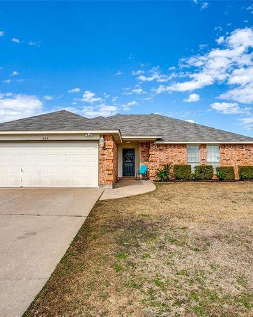 504 Asbury Drive Saginaw, TX, 76179