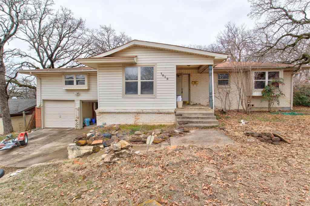 1012 Woodland Drive, Bedford, TX, 76022,