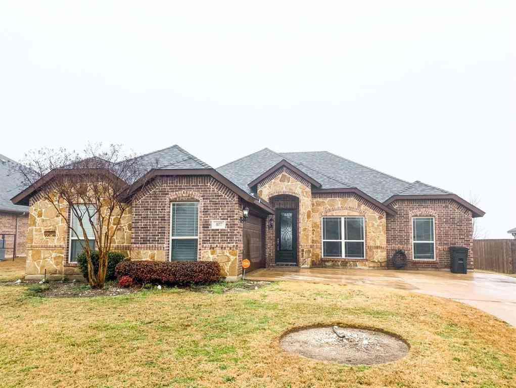 407 Valley Ridge Drive, Red Oak, TX, 75154,