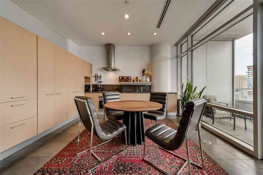 Sunny Living Room, 2430 Victory Park Lane #1805, Dallas, TX, 75219,