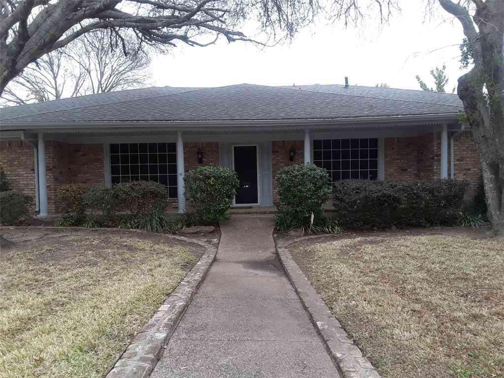 1346 Thunderbrook Drive, Desoto, TX, 75115,
