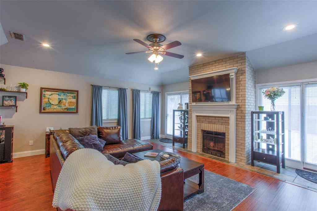 2623 McCart Avenue, Fort Worth, TX, 76110,