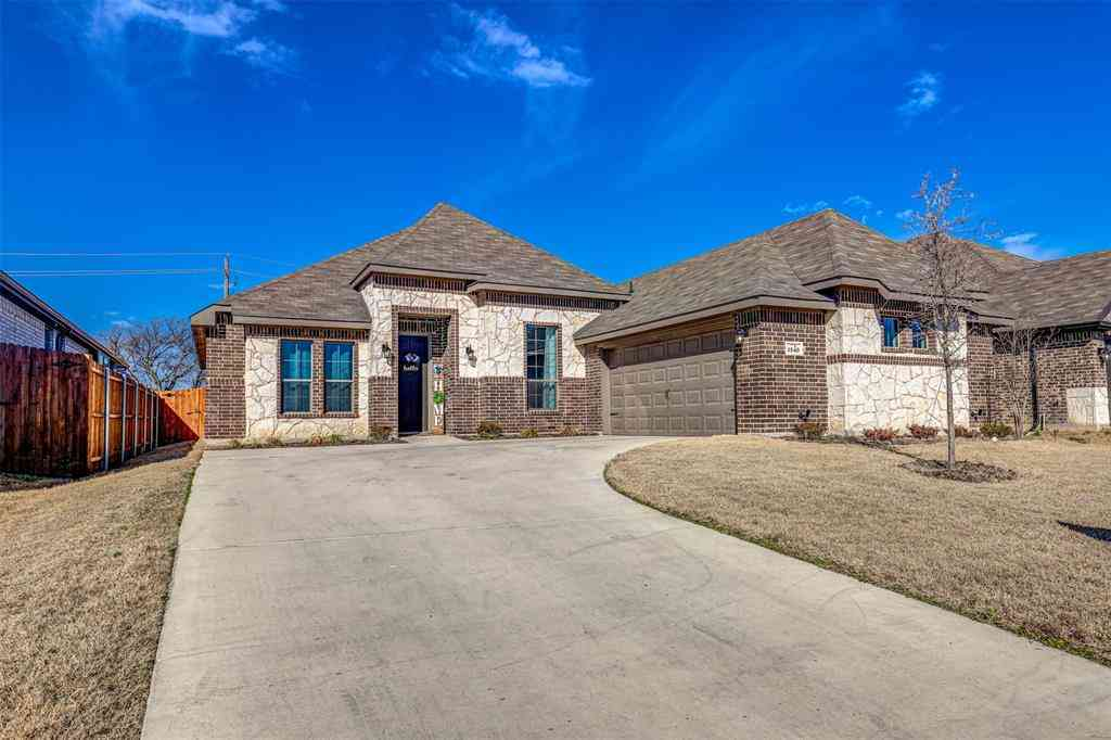 1540 Ranchview Drive, Saginaw, TX, 76131,