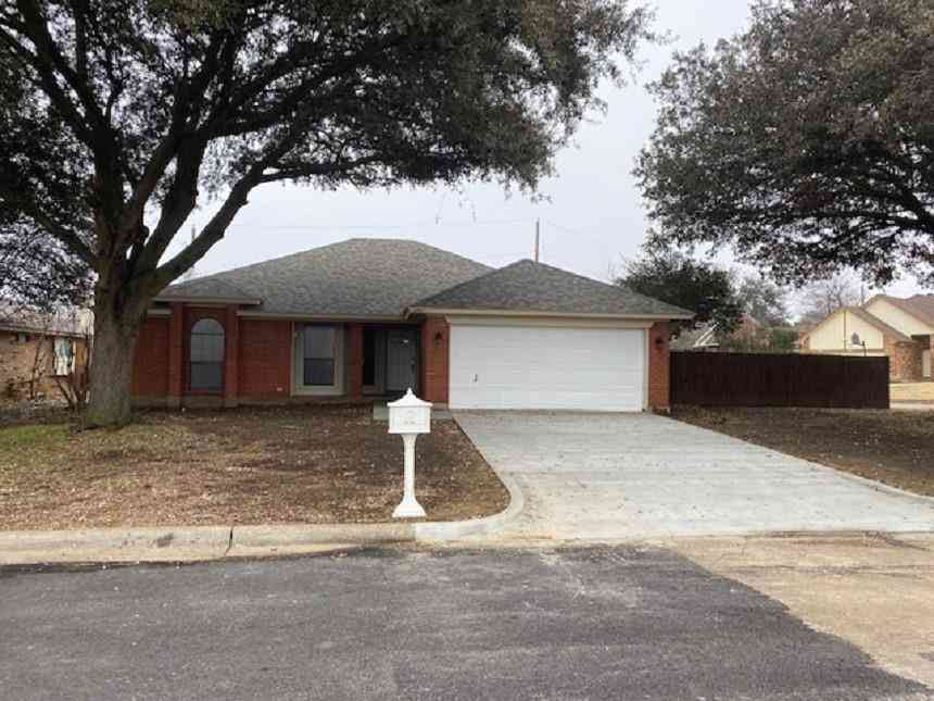 6407 Running Creek Drive, Arlington, TX, 76001,