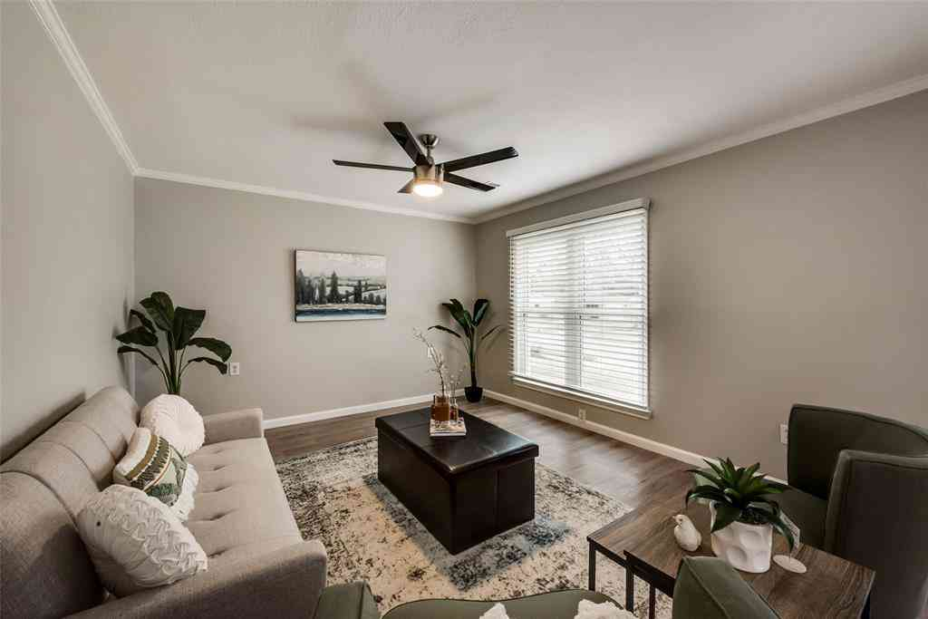 Sunny Living Room, 3601 Winston Road, Fort Worth, TX, 76109,