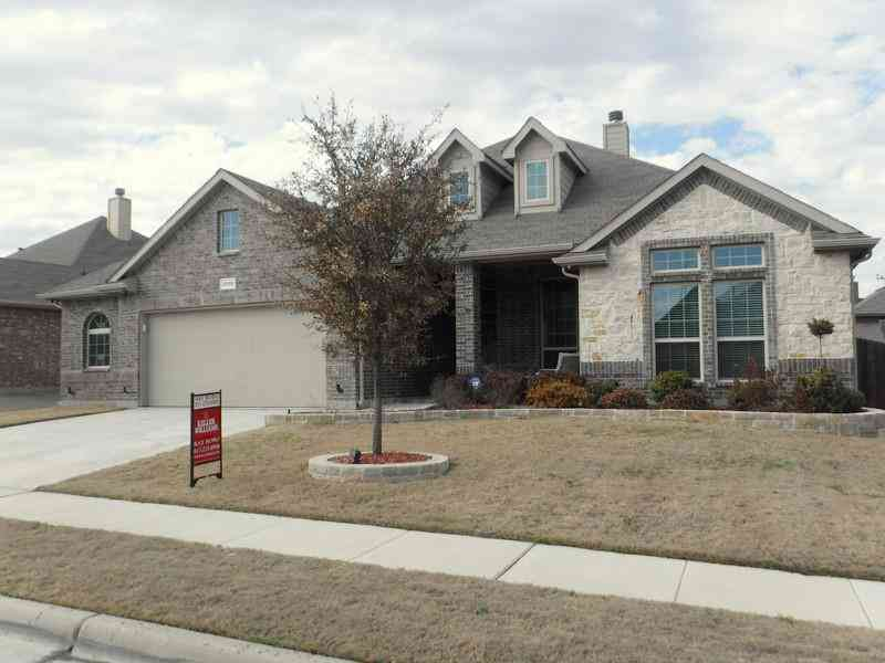 2205 Rosalinda Pass, Fort Worth, TX, 76131,