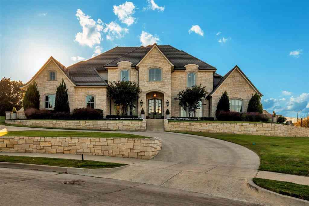 8916 Ladera Court, Benbrook, TX, 76126,