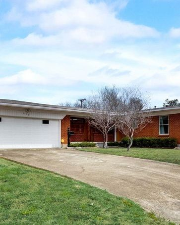 638 W Ridgewood Drive Garland, TX, 75041