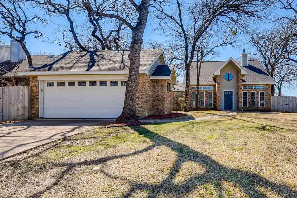 500 Holliday Lane, Euless, TX, 76039,