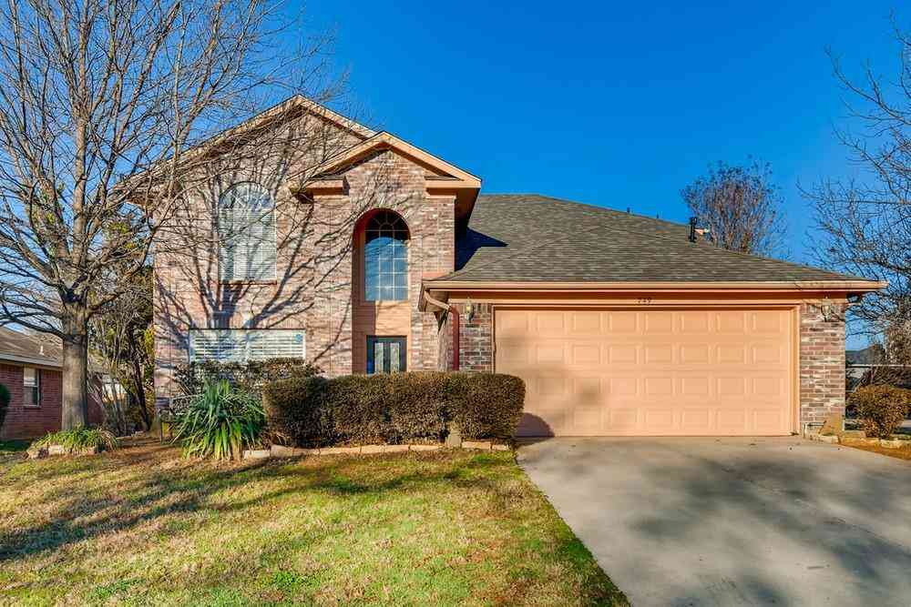 749 Thousand Oaks Drive, Lake Dallas, TX, 75065,