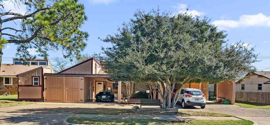 209 Yorkshire Court, Euless, TX, 76040,