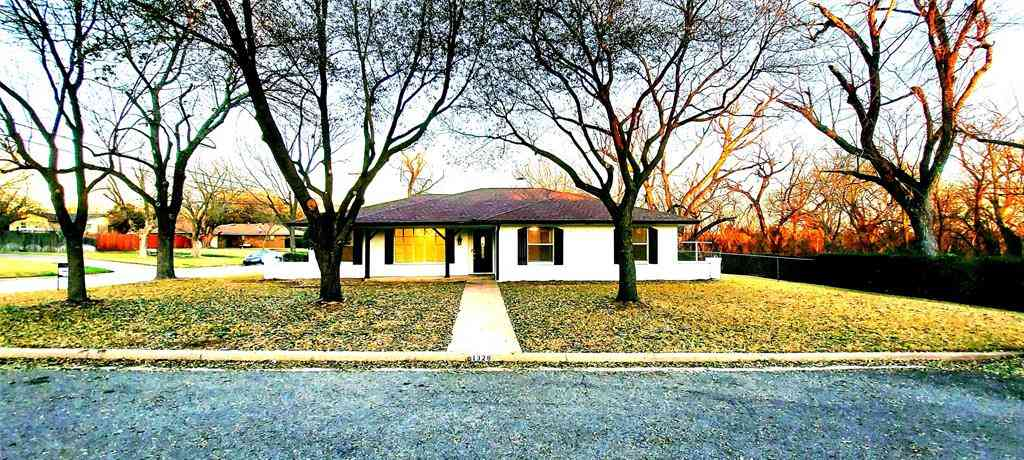 1328 Meadow Lane, Midlothian, TX, 76065,