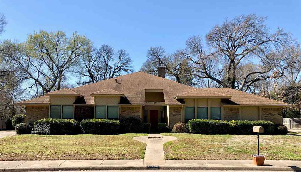 327 Shadybrook Circle, Desoto, TX, 75115,