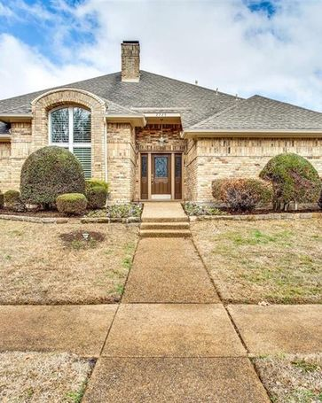 2725 Winding Oak Trail Garland, TX, 75044