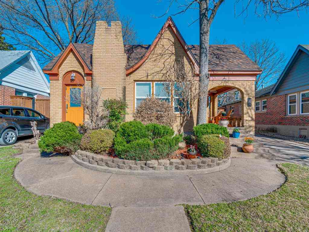 214 S Briscoe Boulevard, Dallas, TX, 75211,