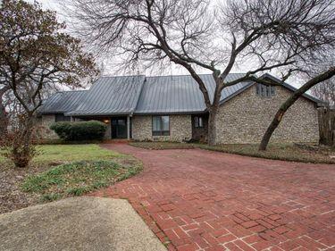 2115 Oak Hill Drive, Fort Worth, TX, 76112,