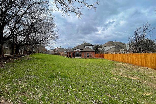 7601 Brook Meadow Lane