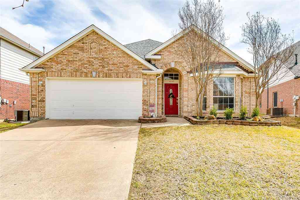 4640 Parkmount Drive, Fort Worth, TX, 76137,
