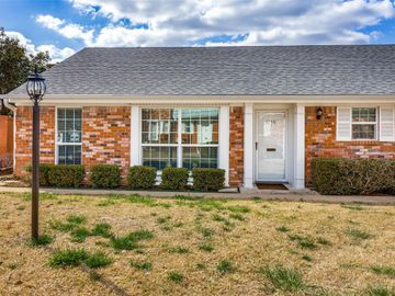 1059 Roaring Springs Road, Fort Worth, TX, 76114,