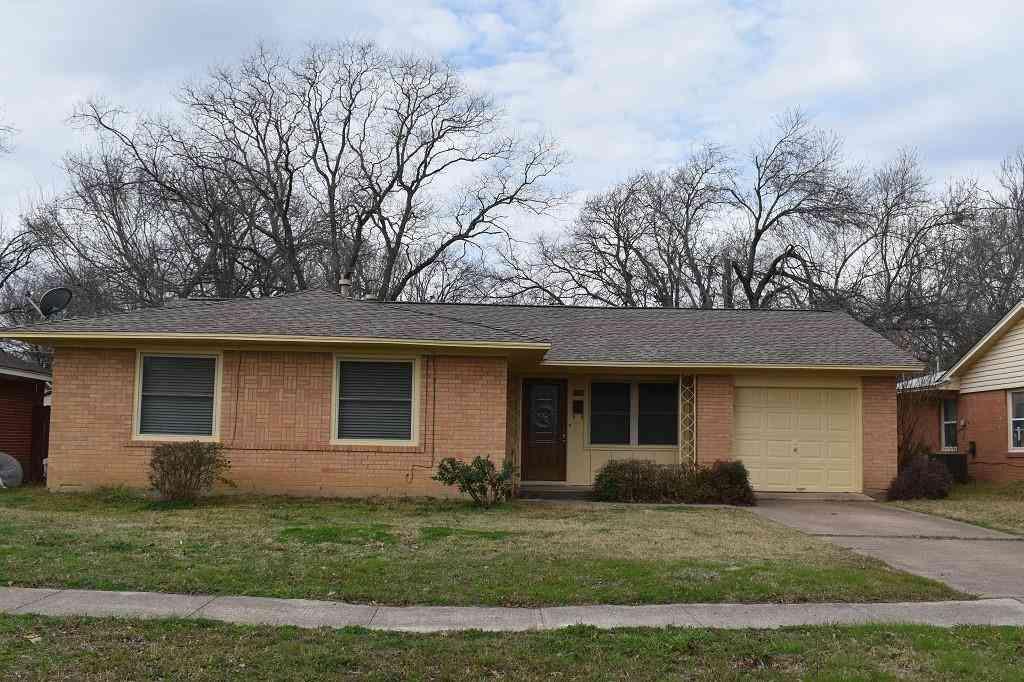 1718 Virginia Street, Grand Prairie, TX, 75051,