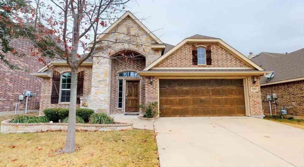 1221 Realoaks Drive, Fort Worth, TX, 76131,